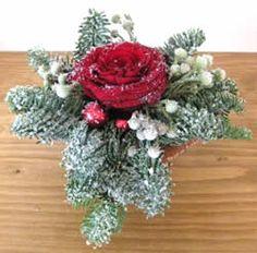 3 kleine kerststukjes voor op de feesttafel - tafeldecoratie kerst Christmas Wreaths, Xmas, Wonderful Time, Floral Wreath, Holiday Decorations, Workshop, Home Decor, Winter, Christmas Decor