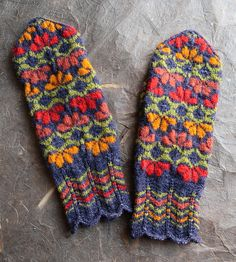 Ravelry: Palaga pattern by Kulli Jacobson Mittens Pattern, Knit Mittens, Knitted Gloves, Knitting Socks, Knit Socks, Knit Or Crochet, Crochet Hats, How To Purl Knit, Knit Purl