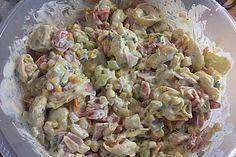 Tortellini - Salat mit Joghurt - Creme