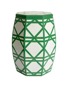 kensington bliss: Crazy for Cane: Loving this British Colonial Pattern. Lattice Garden, Cane Furniture, Green Table, Tropical Colors, Green Rooms, Garden Seating, British Colonial, Home Decor Items, Chinoiserie