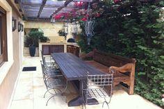 Τριώροφη κατοικία στη Βούλα | vasdekis Outdoor Tables, Outdoor Decor, Patio, Outdoor Furniture, Modern, Projects, Home Decor, Homemade Home Decor, Yard