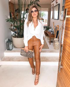Women S Fashion Stores Queenstown Black Women Fashion, Girl Fashion, Fashion Looks, Womens Fashion, Retro Fashion 90s, Urban Fashion, How To Look Classy, Look Chic, Looks Style