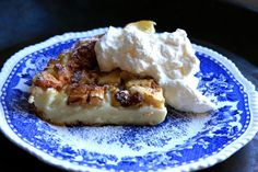 Pancake with apple & cinnamon.Here's how you make it. Recipe for both babies and adults.