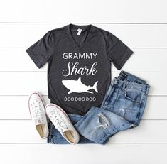 Inktastic Mimi Bear Grandma Tribal Gift Women/'s V-Neck T-Shirt Grandparents For
