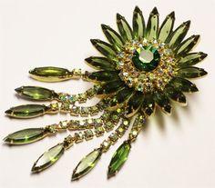 Vintage in Seattle Auction Lot#9 amazing rhinestone flower brooch pin