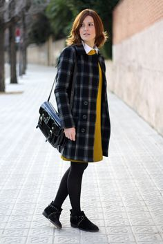 Sweatshirt dress. Plaid coat. mustard
