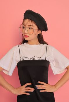 How often do you run across something fabulous, that influences your style? Ulzzang Fashion, Harajuku Fashion, Ulzzang Girl, Korean Street Fashion, Asian Fashion, Girl Fashion, Fashion Poses, Fashion Outfits, Fashion Trends