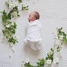 Un peu de douceur #bebe #baby #cute #cutebaby #joli #adorable #ete #doux photo @mattandjulieweddings