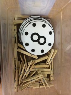 Clever one to one correspondence activity. Great for number concept!