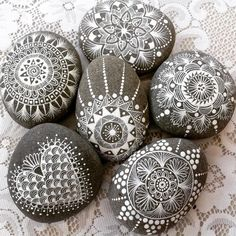 Image could contain: 1 person # painting sticks Image could contain: 1 person . - Image could contain: 1 person # painting sticks Image could contain: 1 person - Mandala Painting, Pebble Painting, Dot Painting, Painting Patterns, Pebble Art, Stone Painting, Image Painting, Mandala Painted Rocks, Mandala Rocks