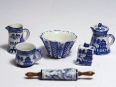 McKnight Blue Willow Collection of Miniature Pieces (pitcher, creamer, rolling pin & more)