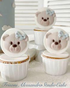 Cupcake Cake Designs, Cupcake Cakes, Baby Shower Cupcakes, Cake Art, Fondant, Cake Decorating, Birthday Cake, Desserts, Instagram