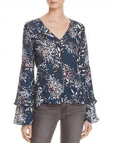 129.38$  Watch here - http://viogr.justgood.pw/vig/item.php?t=zv8diu35689 - Parker Roesia Printed Silk Top 129.38$