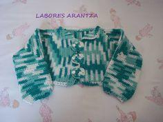 Chaqueta de bebé hecha a mano a crochet