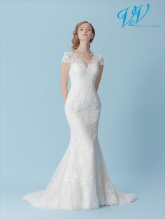 A mermaid wedding dress with beautiful lace details. Wedding Dresses 2018, Princess Wedding Dresses, Boho Vintage, Contemporary Dresses, Bridal Collection, Mermaid Wedding, Dress Making, Bridal Gowns, Silhouette