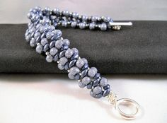 Seadbeady blauwe kralen armband met frosted van Seadbeady op Etsy