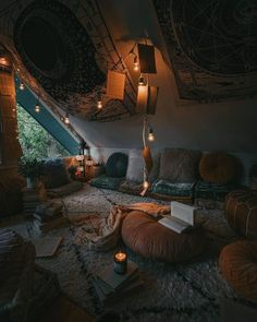 Bohemian Latest And Stylish Home decor Design And Life Style Ideas - Bohemian Home Room Goals, Aesthetic Room Decor, Room Ideas Bedroom, Bedroom Ideas For Men Man Caves, Loft Bed Room Ideas, Girls Bedroom, Comfy Room Ideas, Hippie Bedrooms, Bedroom Beach