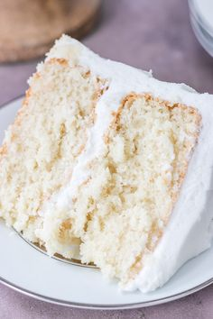 Wedding Cake Recipes A scratch white cake that\'s actually moist, with a soft texture and oh so delicious with that wedding cake flavor. Homemade White Cakes, Homemade Cake Recipes, Cake Mix Recipes, Cupcake Recipes, White Cake Recipes, Wedding Cake Recipes, Wedding Cakes, Wedding Cake Flavors, Frosting Recipes