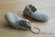 Et par hurtige futter – Mønsterbryder Make Your Own, How To Make, Slippers, Knitting, Diy, Inspiration, Shoes, Fashion, Crochet House