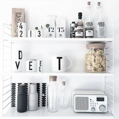 Octobers most liked picture ✔️ Kitchen Interior, Interior And Exterior, Kitchen Decor, Bathroom Styling, Kitchen Styling, T2 T3, Nordic Home, Beautiful Interior Design, White Houses
