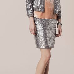 Sequins skirts look simply stylish #oky #outlet #sequinsskirt #sequins #trend #nightout #fridaynight #style