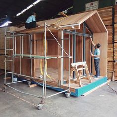 Cross-Laminated Timber buildings offer a number of advantages that contribute to their relative good performance in seismic event. by woodlamindonesia Log Cabin Sheds, Tiny Log Cabins, Timber Architecture, Timber Buildings, Tiny Mobile House, Sips Panels, Plywood Projects, Wood Arch, Timber Cabin