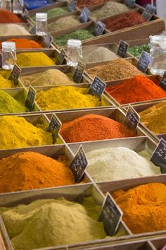 Colourful spices sold in bulk. A common sight in the open markets in Indian subcontinent and some Middle Eastern Countries. Survival Food, Survival Prepping, Emergency Preparedness, Survival Stuff, Pick And Mix, Warm Spring, Food Staples, Freeze Drying, Food Facts