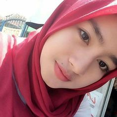 Suci Andini Hijab Smile From Bogor - Angel Hijaber Beautiful Muslim Women, Beautiful Hijab, Beautiful Asian Girls, Hijab Fashion, Fashion Beauty, Womens Fashion, Muslim Beauty, Indonesian Girls, Turkish Fashion