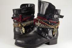 Como decorar botas con tela y cadenas