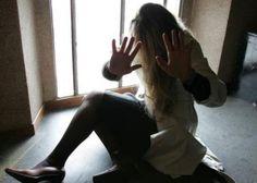 La violentano in cinque: lei 16 anni gli aggressori tutti minorenni. Arrestati nel Salernitano