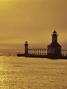 Top 17 places to eat, play and stay in St. Joseph, Michigan! #midwest