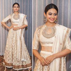 Indian Bridal Lengha Choli Pakistani Lehenga Lengha Choli Wedding Wear Sari Gf # … - Un. Pakistani Lehenga, Lengha Choli, Lehnga Dress, Sari, Red Lehenga, Anarkali, Indian Bridal Wear, Indian Wear, Indian Dresses
