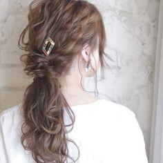 最短時間は1分!誰でもできる簡単編み込み風ヘアアレンジ♡ | HAIR