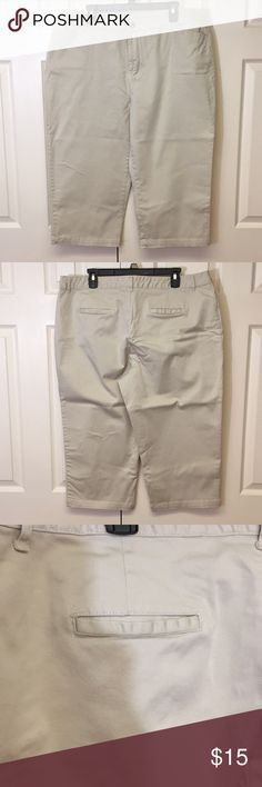 51be9d224d7 Cream Colored Khaki Capris. Size 20W Classic Elements Woman Cream Colored  Khaki Capris. Size