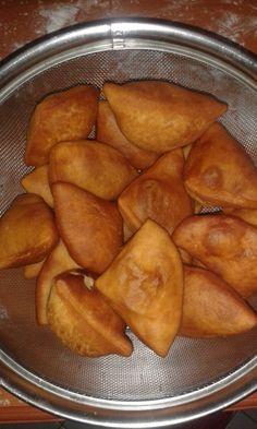MANDAZI RECIPE my version. – all purpose flour – sugar – blue band (margarine) – milk – water – yeast – baking powder. – add 5 c… Tanzanian Recipe, Mandazi Recipe, Ugandan Food, Recipe For Blood, Tanzania Food, Food Snapchat, Nigerian Food, Cupcakes, Indian Food Recipes