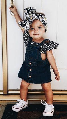 Baby girl, ootd, head wrap, crianças lindas, moda de bebê me Baby Outfits, Outfits Niños, Little Girl Outfits, Kids Outfits, Baby Dresses, Fashion Outfits, Stylish Outfits, Summer Outfits, Baby Girl Names
