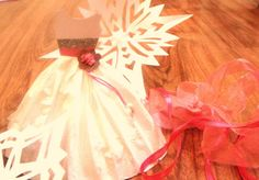 paper made dress...  wish i could wear it.