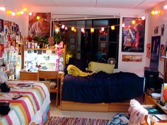 5 Dorm Room Shopping Tips