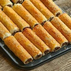 It is a great pie with its taste, appearance and practicality. Meat Recipes, Cooking Recipes, Turkish Recipes, Ethnic Recipes, Happy Cook, Food Blogs, C'est Bon, Bread Baking, Hot Dog Buns