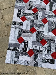 Tamarack Shack: Smoke and Fire Quilt - Tamarack Shack: Smoke and Fire Quilt - Scrap Quilt, Jellyroll Quilts, Easy Quilts, Patchwork Quilting, Patchwork Blanket, Patchwork Bags, Quilting Projects, Quilting Designs, Sewing Projects