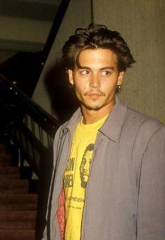 Johnny And Winona, Young Johnny Depp, Hot Actors, Actors & Actresses, Junger Johnny Depp, Johnny Depp Wallpaper, Beautiful Men, Beautiful People, Bad Girl Aesthetic