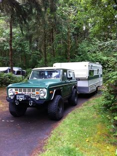 1974 Ford Bronco Ranger pulling our 21 foot 1972 Timberline Trailer 4x4 Trucks, Cool Trucks, Cool Cars, Diesel Trucks, Lifted Trucks, Old Bronco, Early Bronco, Bronco Truck, Jeep 4x4