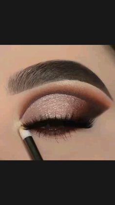 Sexy Eye Makeup, Bridal Eye Makeup, Dramatic Eye Makeup, Dark Skin Makeup, Smokey Eye Makeup, Gold Eyeliner, Gold Eyeshadow, Eyeshadow Makeup, Eyeshadow For Brown Eyes