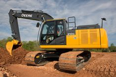 Refinements, Updated Emissions Elevate John Deere's 210G LC Excavator | Rock & Dirt Blog Construction Equipment News & Information #JohnDeere #RockandDirt #Excavators