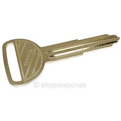 oem toyota master key blank 4runner celica corolla land cruiser mr2 90999 00165 - Categoria: Avisos Clasificados Gratis  Item Condition: NewOEM Toyota Master Key Blank 9099900165This genuine OEM Toyota Key Blank is perfect for those looking to keep an extra spare on hand or to simply replace your old, worn out factory master key Take it to your locksmith along with your original key to have it cut 100 genuine OEM Toyota product Part# 9099900165 Made by Toyota Motor CorporationFits the…