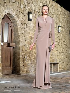 Jaimie - Evening Dresses and Fashion Hijab Fashion, Fashion Dresses, Evening Dresses, Formal Dresses, Quinceanera Dresses, Elie Saab, Mother Of The Bride, Designer Dresses, Wedding Gowns