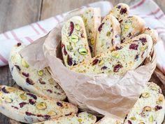Carquinyolis de arándanos y pistachos