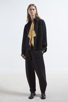 JOSEPH Fashion, Pre-Autumn Winter 2017 Womenswear Collection, Look 19 // Creative Direction: Louise Trotter. Styling: Jane How. Photography: Bibi Borthwick. Model: Julie Hoomans //