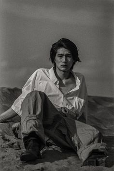 Shintaro Yuya by Kiyoe Ozawa Photo Poses For Boy, Boy Poses, Pose Reference, Drawing Reference, Film Inspiration, A Series Of Unfortunate Events, Pretty Men, Photography Editing, Strong Female Characters