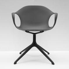 Elephant chair design by Neuland - Paster Geldmacher for Kristalia #chair #plastic #blackchair #ergonomic